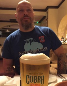 Ingo i ITSCON T-shirt. Finnes i blå og hvit.