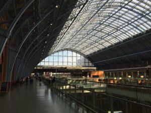 St. Pancras International. Staselig jernbanestasjon.