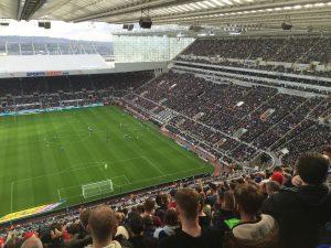Ipswich supporterne ble plassert høyt oppe og så langt unna egne spillere som overhode var mulig.